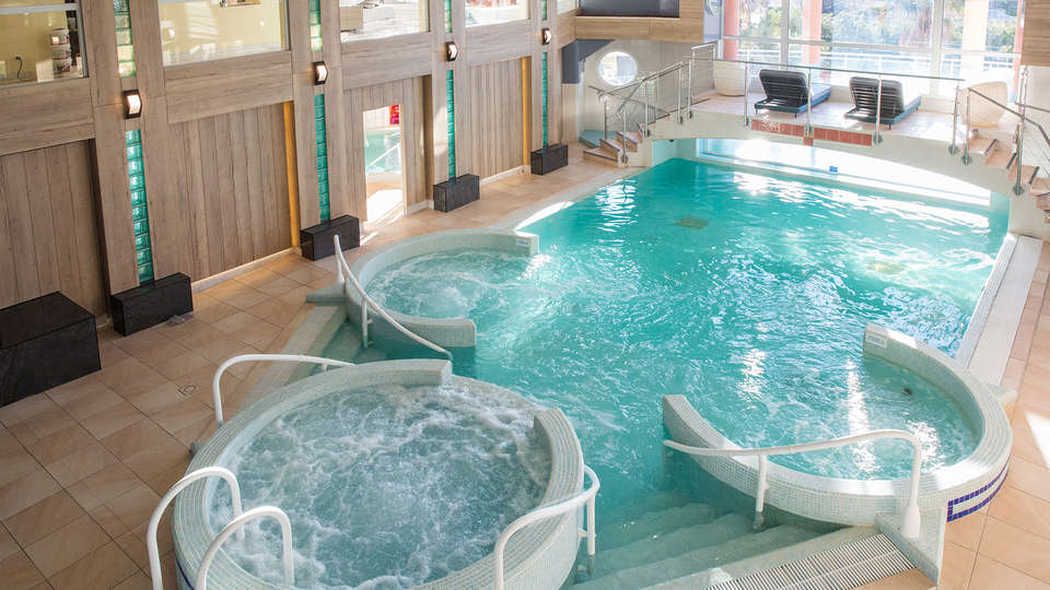 Grand Hôtel Les Flamants Roses - EDIT_NEW_Pool2.jpg