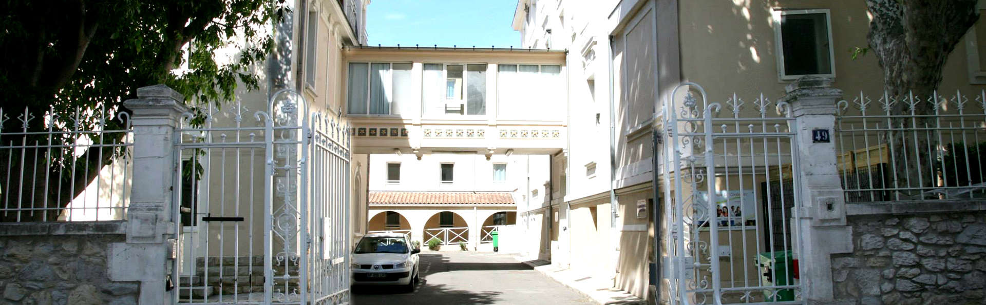 Résidence Les Cordeliers - Edit_Entrance.jpg