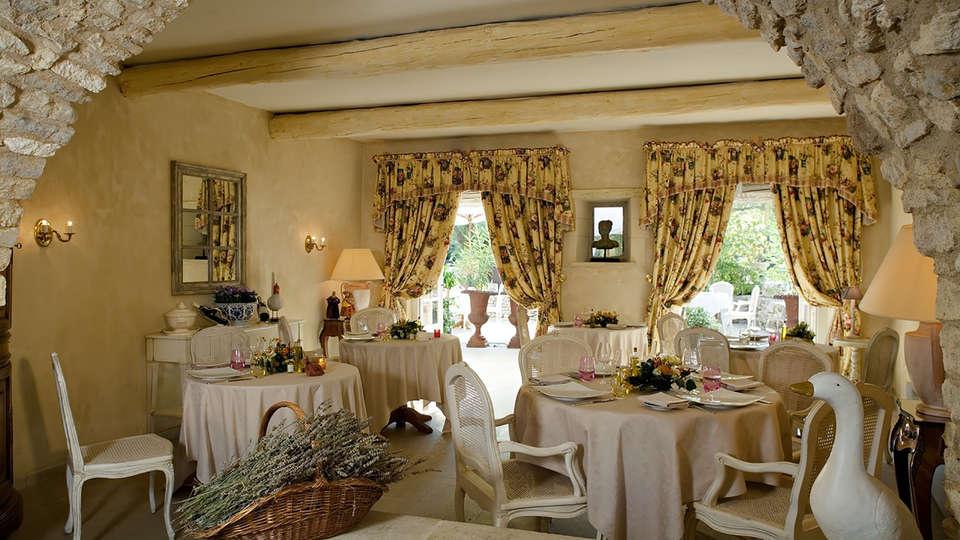 Roy Soleil - Edit_Restaurant.jpg