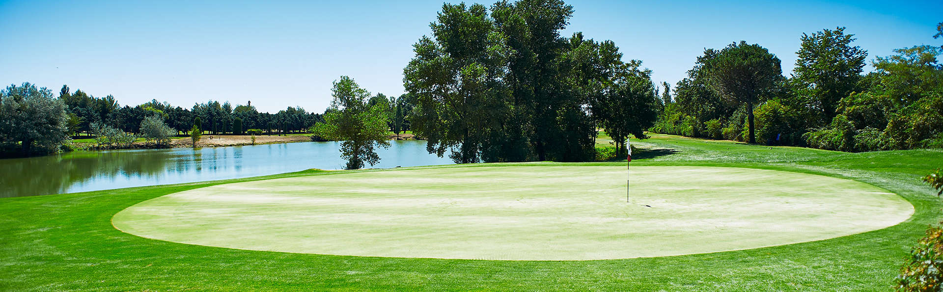 Residhotel Grand Avignon - Edit_Golf.jpg