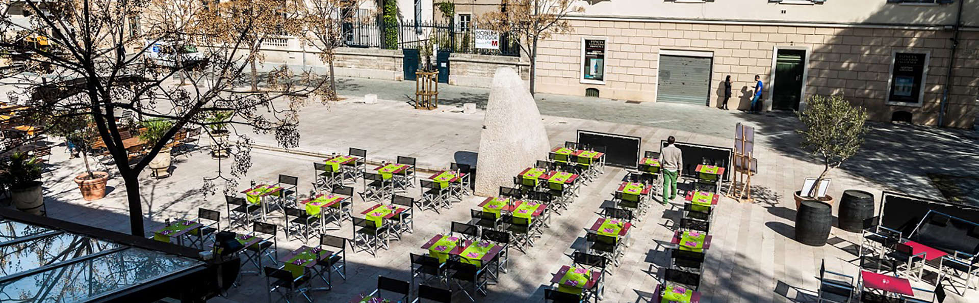 Royal Hôtel - Nîmes  - Edit_Terrace.jpg