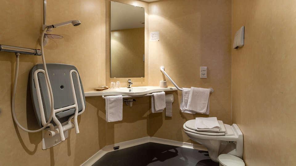 Hôtel de la Poste - le Bonhomme - EDIT_NEW_Bathroom.jpg