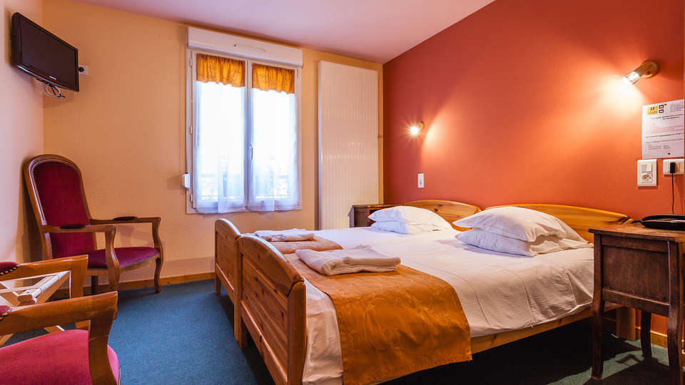 Hôtel de la Poste - le Bonhomme - EDIT_NEW_Room.jpg