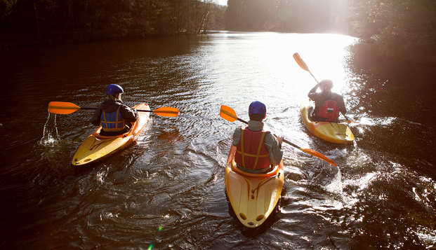 Parcours en Kayak et au lac de la Viñuela, pique-nique et logement dans un hôtel rural de charme