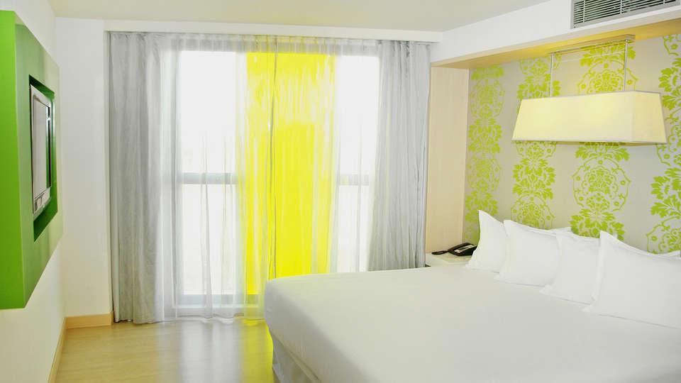 Double Tree by Hilton Girona - EDIT_NEW_Room9.jpg