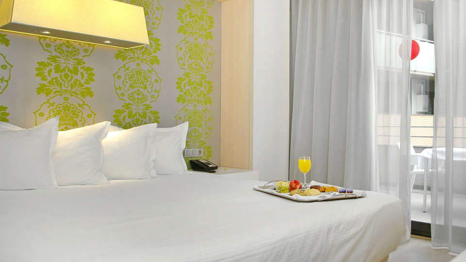 Double Tree by Hilton Girona - EDIT_NEW_Room4.jpg