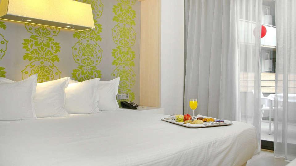 Double Tree by Hilton Girona - EDIT_NEW_Room4.jpg
