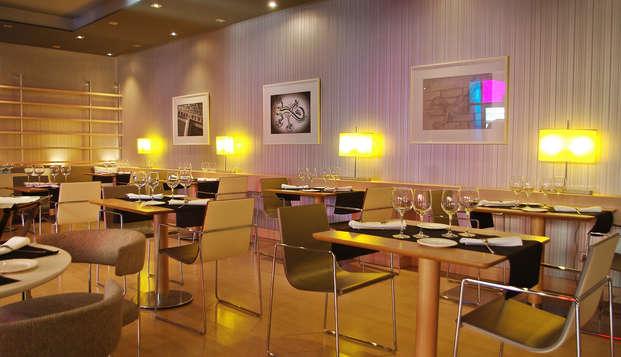 Romanticismo con cena y copa de bienvenida en Girona