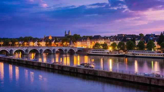 Verblijf in een modern hotel aan de stadsrand van Maastricht