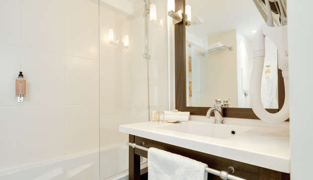 Seven Urban Suites Nantes Centre et Spa - Bathrooom