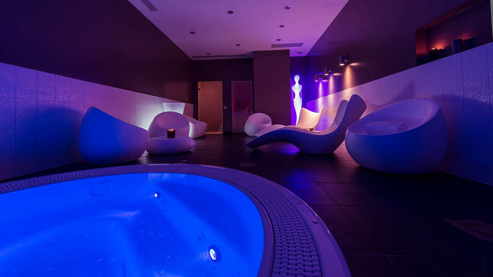 Seven Urban Suites Nantes Centre et Spa - Edit_Relax2.jpg