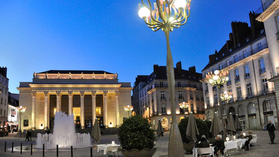 Seven Urban Suites Nantes Centre et Spa - Edit_Destination3.jpg