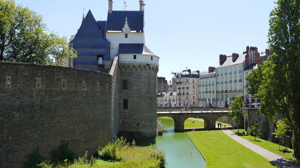 Seven Urban Suites Nantes Centre et Spa - Edit_Destination.jpg