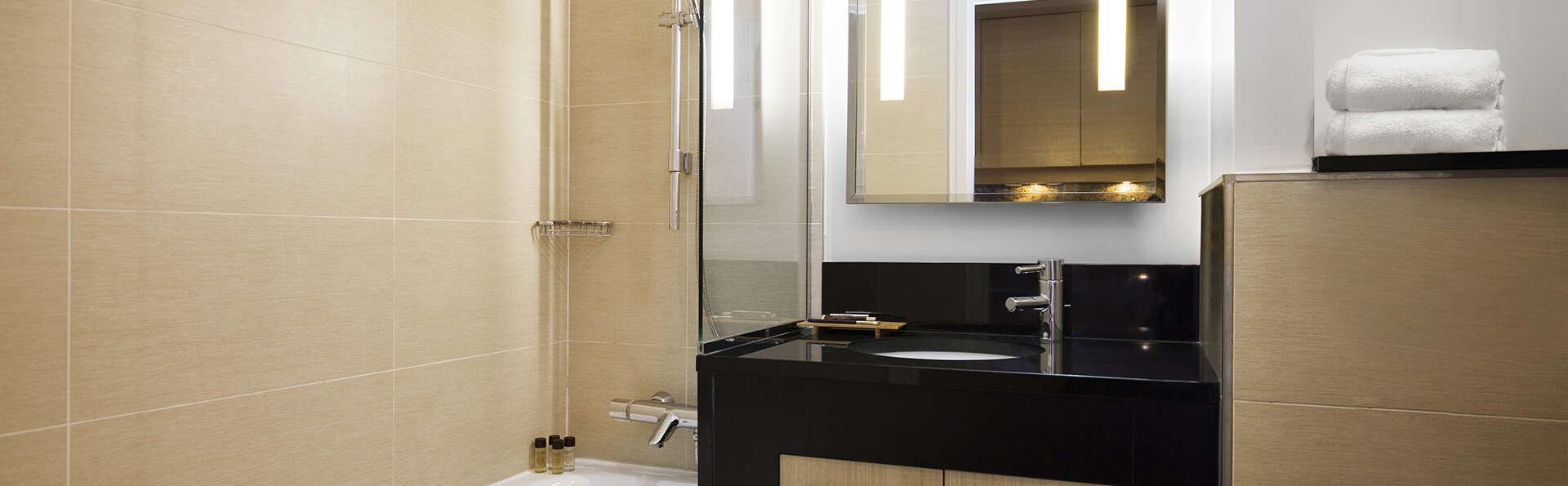 Relais SPA Chessy - EDIT_NEW_Bathroom.jpg
