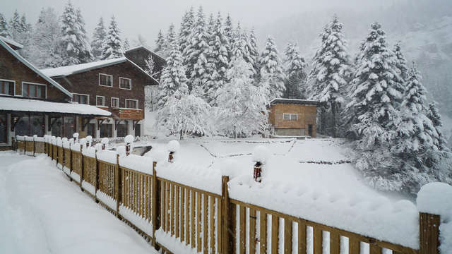 Nuit en Suite et vue sur le Mont-Blanc au cœur des Alpes
