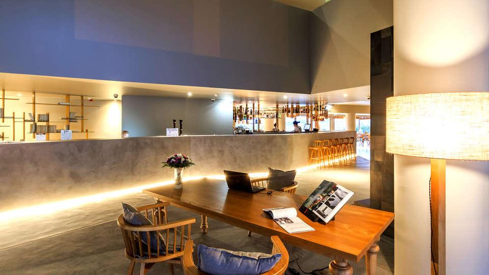 Villa C Boutique Hotel By Ymspyra - Edit_Bar.jpg