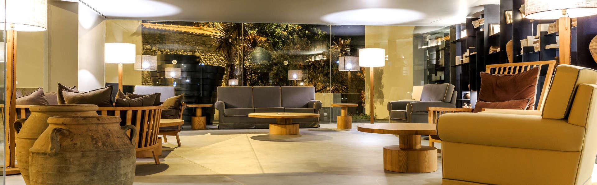 Villa C Boutique Hotel By Ymspyra - Edit_Lobby2.jpg
