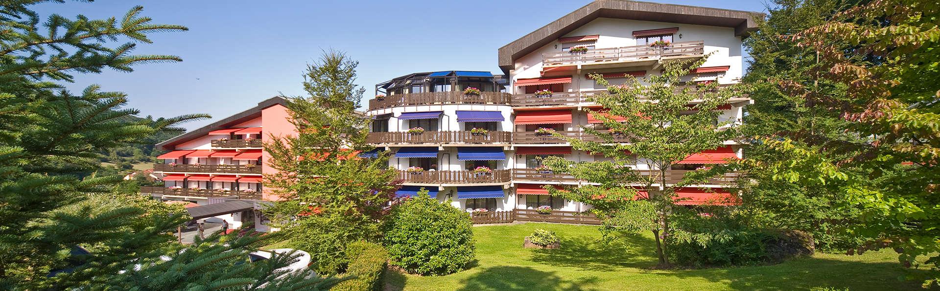 Hotel Eden au Lac - Edit_Garden.jpg