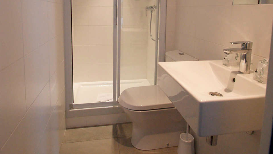Acropolis Hotel Paris Boulogne - Edit_Bathroom.jpg