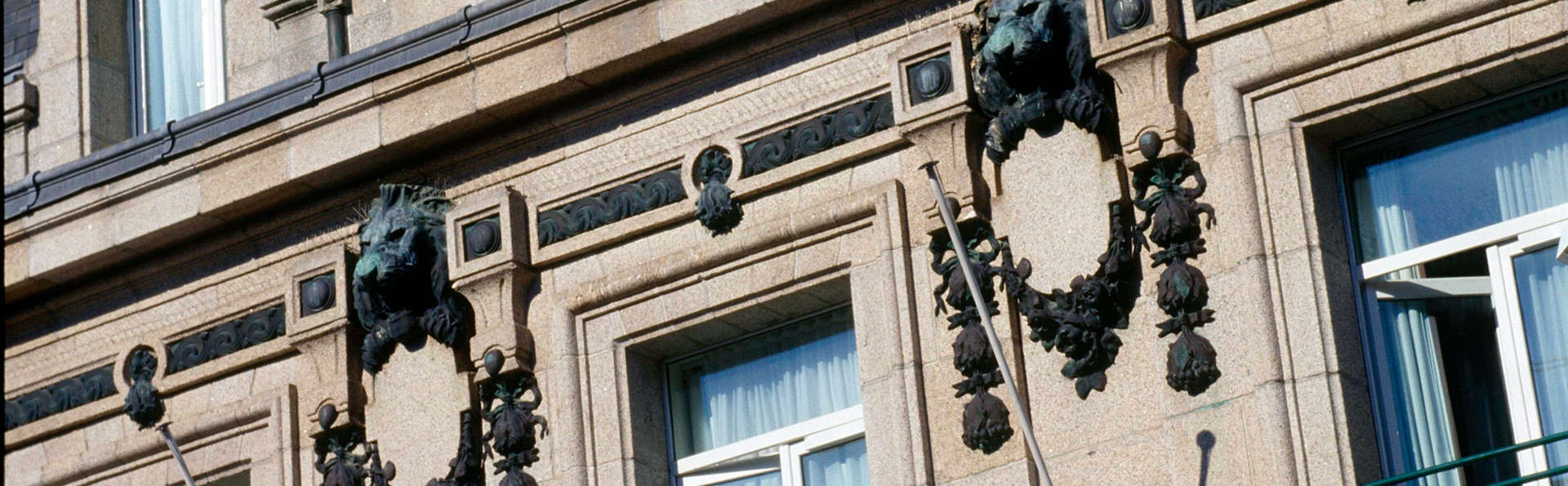 Vintage Hôtel - Edit_Front.jpg