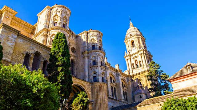 Escápate a Málaga con desayuno incluído y vive la Costa del Sol