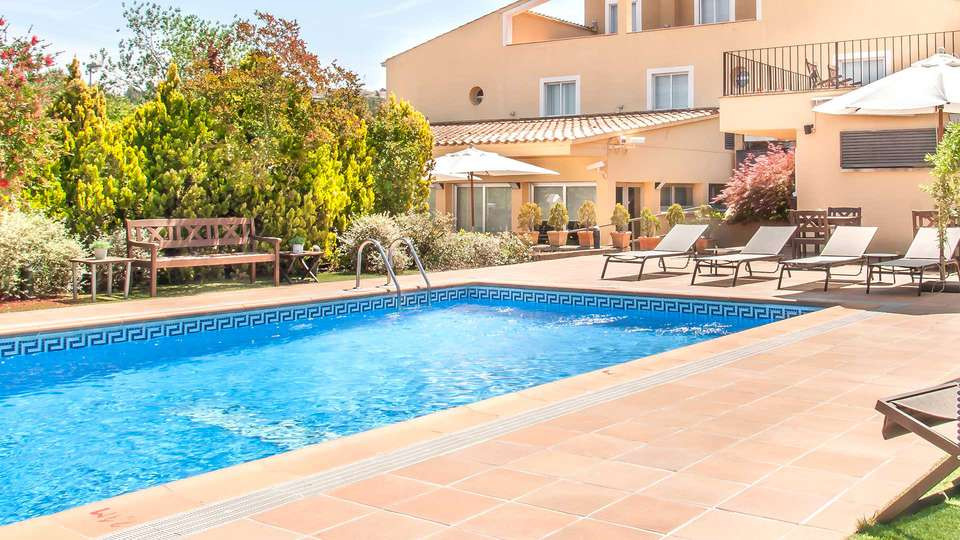 Hotel Costabella - EDIT_NEW_POOL2.jpg