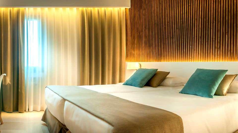 Hotel Costabella - EDIT_NEW_ROOM2.jpg