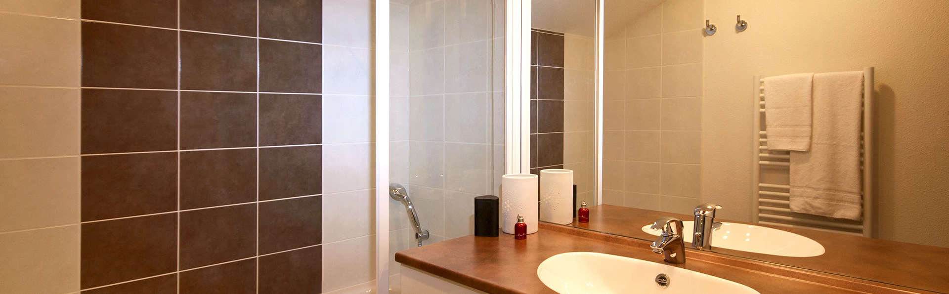 Lagrange Confort+ Les Chalets du Mont Blanc  - Edit_Bathroom.jpg