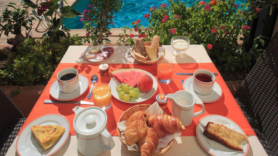 Hotel The Originals Perpignan Le Mas des Arcades (ex Qualys-Hotel) - Edit_Breakfast.jpg