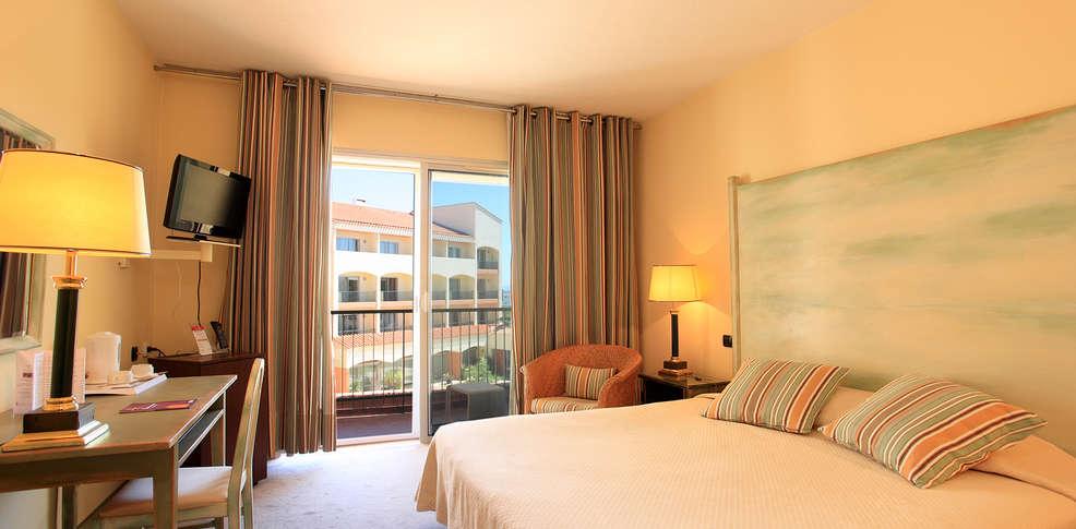 Hotel The Originals Perpignan Le Mas Des Arcades  Ex