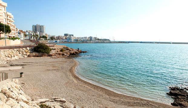 Disfruta de vistas laterales al mar y pensión completa descubriendo el Delta del Ebro