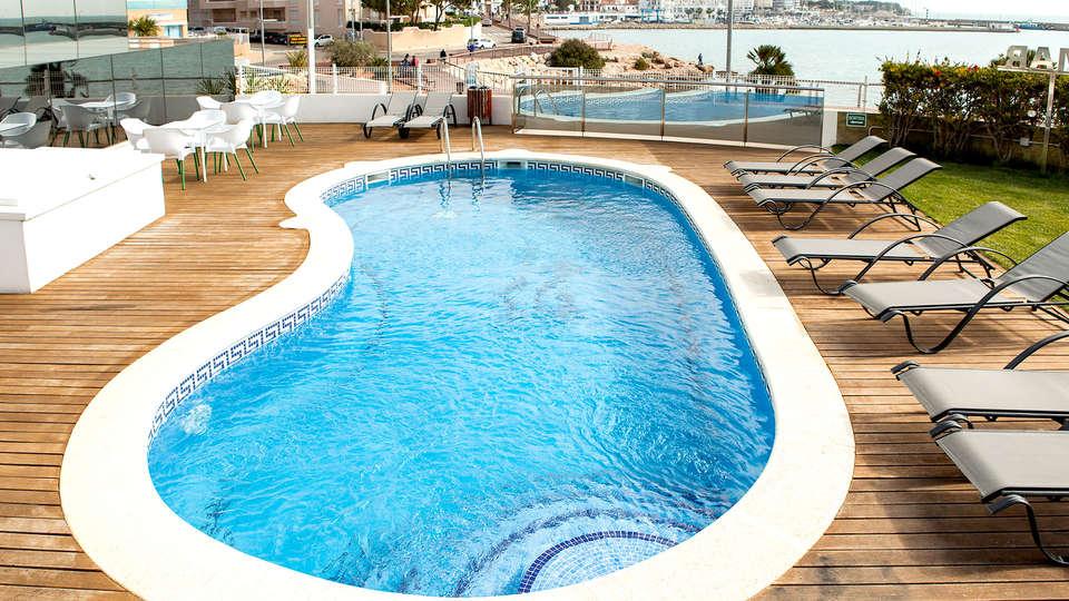 Hotel Flamingo - EDIT_NEW2_POOL.jpg