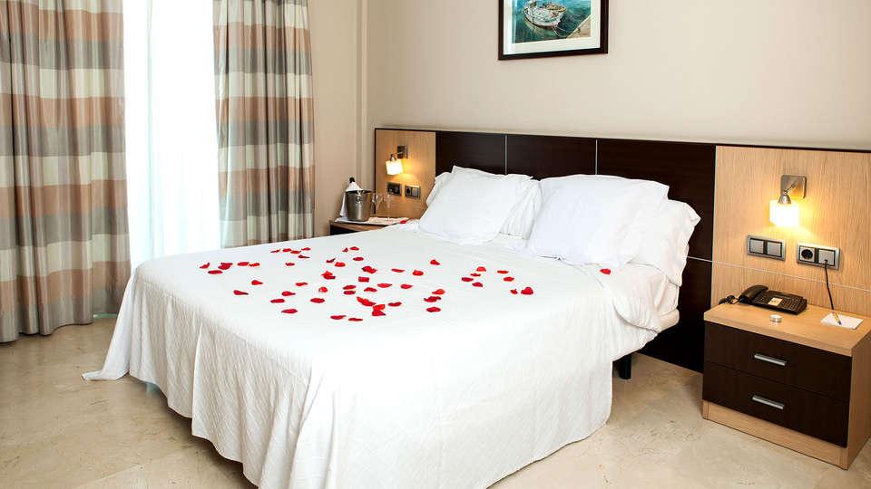 Hotel Flamingo - EDIT_NEW2_ROOM.jpg