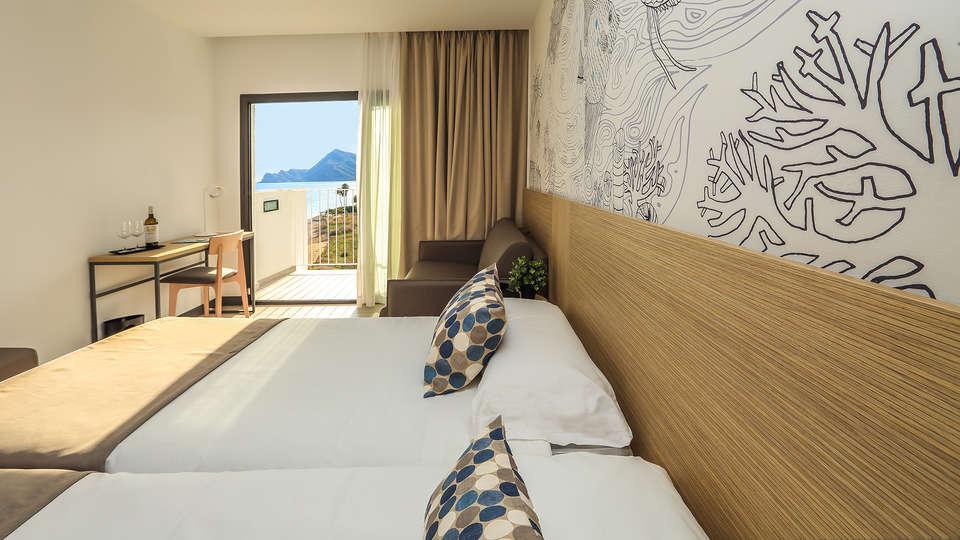 Hotel Cap Negret - EDIT_NEW_Room2.jpg