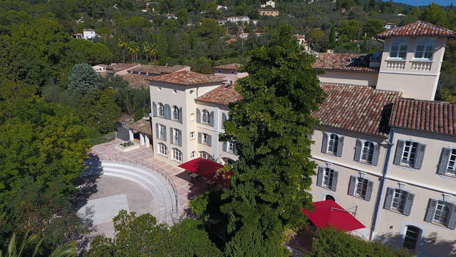 Vacanceole - La Tour Carree