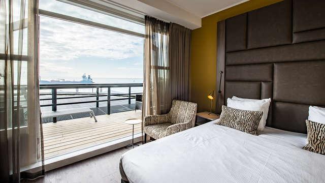 Respira aire fresco en la costa de Zelanda en una habitación con vistas al mar