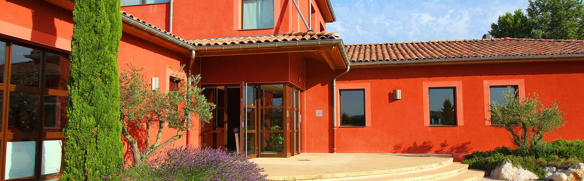 Vacancéole - Résidence Le Domaine du Lac - Edit_Le-Domaine-du-Lac_front.jpg