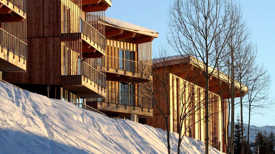 L'Aiguille Grive Chalets Hôtel - Edit_Front4.jpg