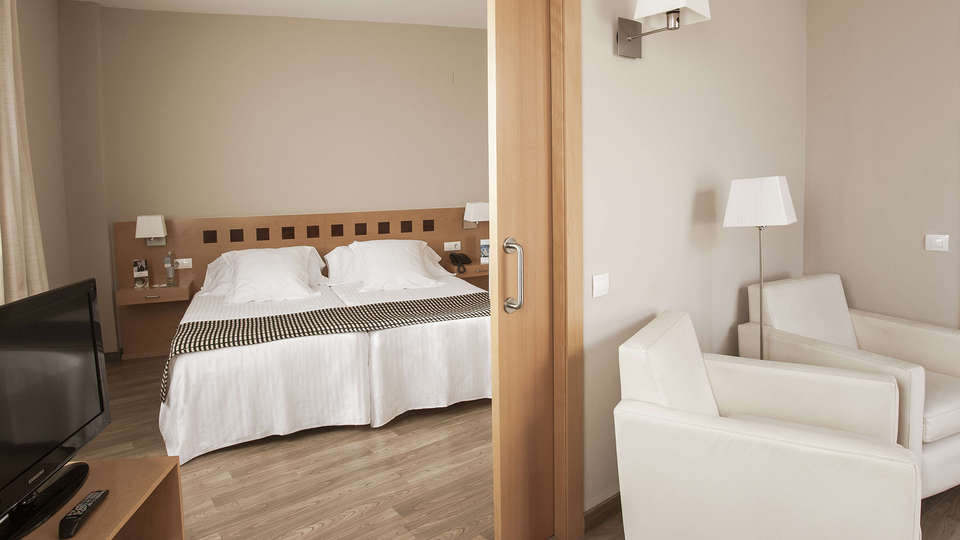 Mercure Atenea Aventura - EDIT_NEW_Room4.jpg