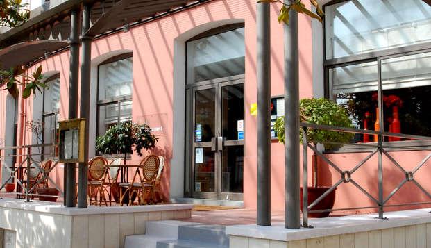 Hotel le Saint Roch - Front