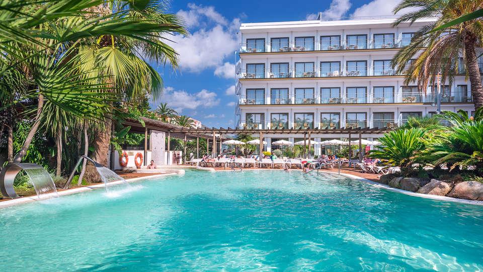 SUMUS-Hotel Stella & Spa Plus - EDIT_NEW_Pool2.jpg