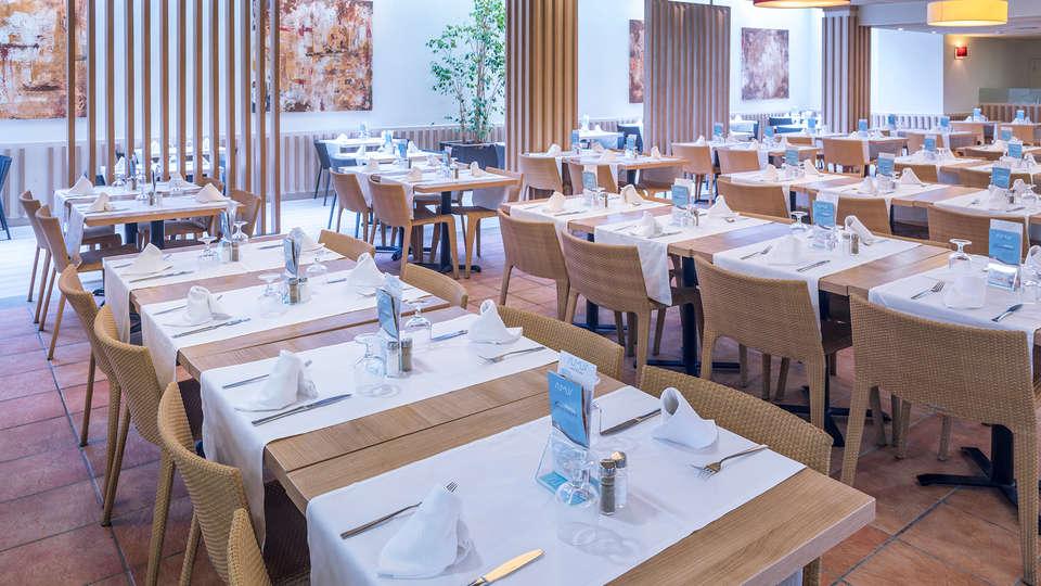 SUMUS-Hotel Stella & Spa Plus - EDIT_NEW_Restaurant3.jpg