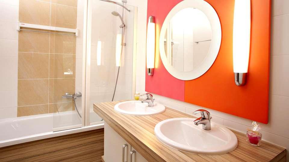 Center Parcs Domaine des Hauts de Bruyères  - Edit_Bathroom.jpg