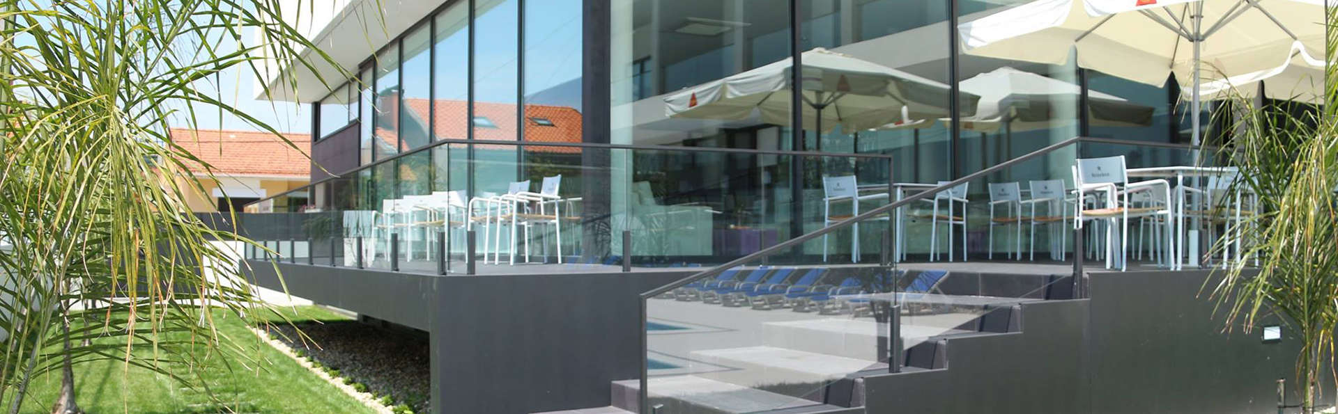 Monte Lírio Hotel & Wellness Centre - Edit_Garden.jpg