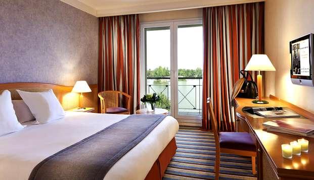 Week-end détente en chambre supérieure vue lac à Enghien-Les-Bains