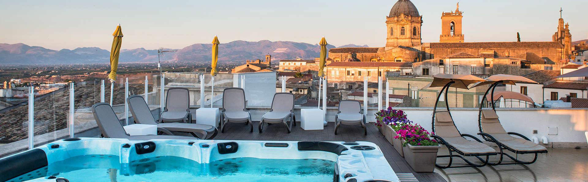 Hotel Centrale - Alcamo - EDIT_NEW_Terrace-Jacuzzi.jpg