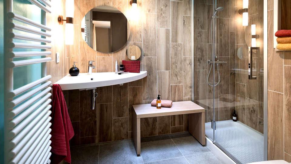 Center Parcs - Domaine du Bois aux Daims - Edit_Bathroom.jpg