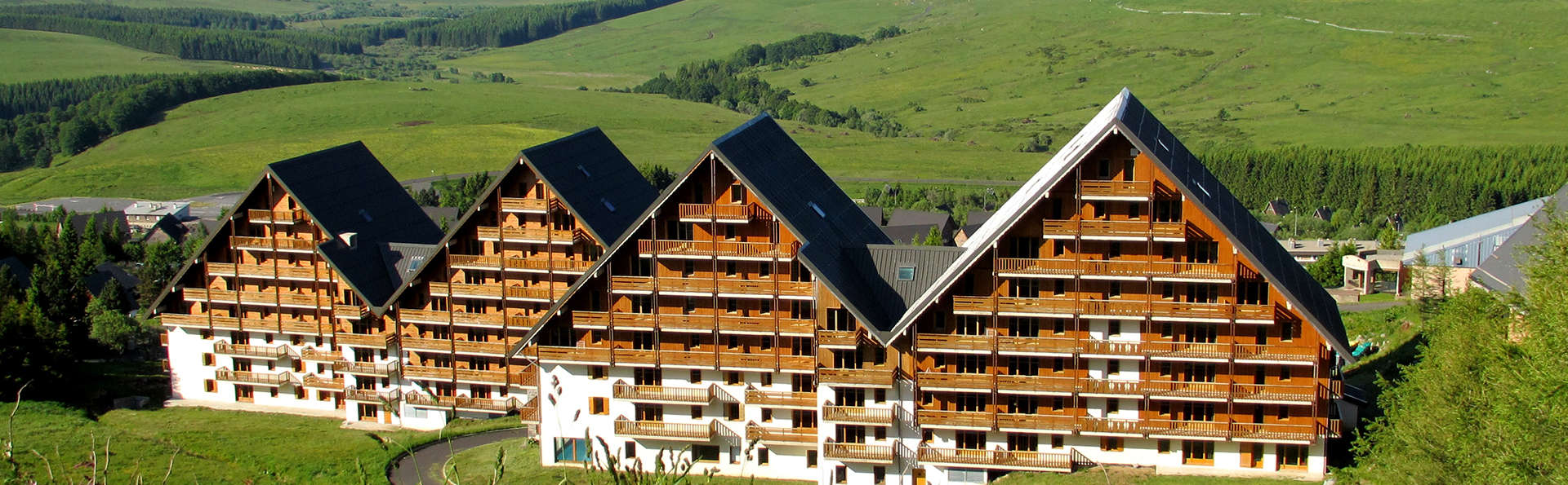 Chalets du Sancy - Edit_Front.jpg