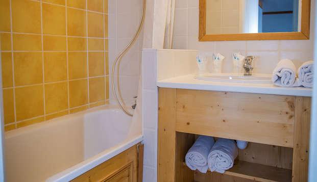 Chalets du Sancy - Bathroom