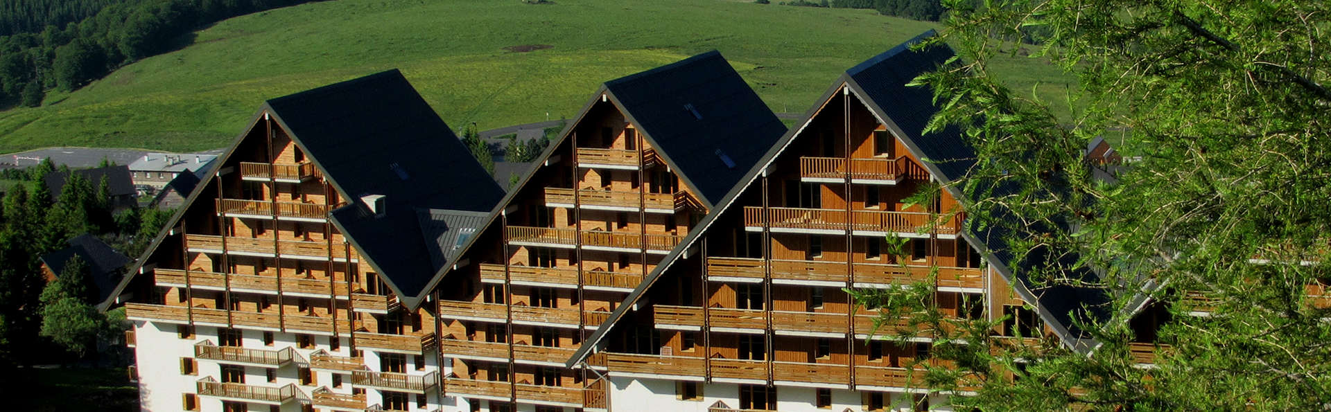 Chalets du Sancy - Edit_Front2.jpg